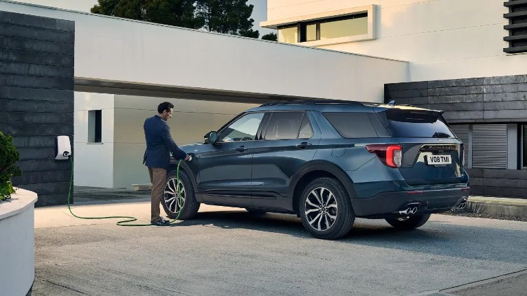 Ford Explorer Hybrid Carpoint