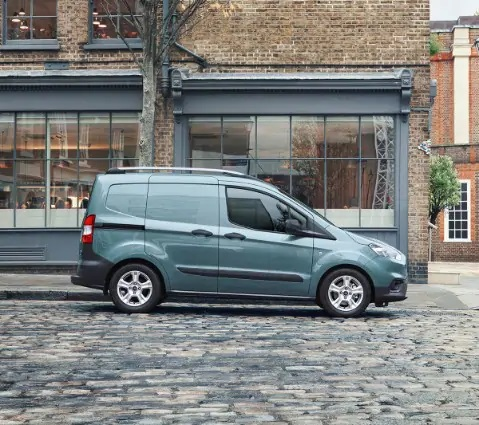 Ford Transit Courier Laterale